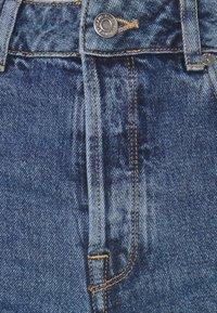 Selected Femme Tall - SLFKATE STRAIGHT CRUZ - Straight leg jeans - medium blue denim - 2