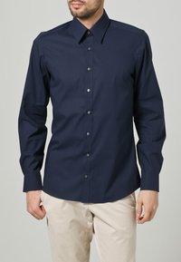 OLYMP Level Five - OLYMP LEVEL 5 BODY FIT - Formal shirt - dark blue - 1