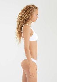 OYSHO - Bikini top - white - 2