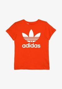 active orange/white