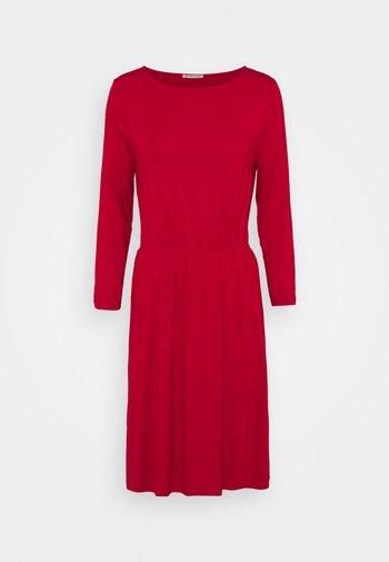 Mini waisted basic dress - Vestido ligero - red