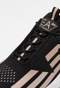 EA7 Emporio Armani - UNISEX - Sneakers basse - black/rose gold - 5