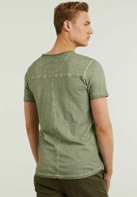 CHASIN' - Basic T-shirt - green - 1