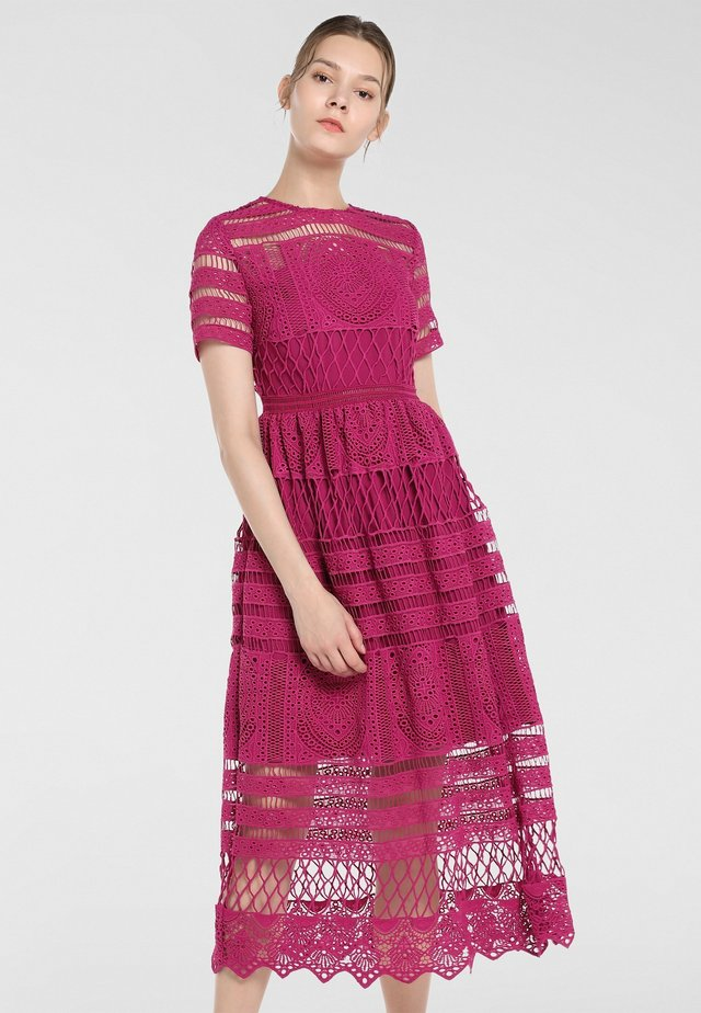 Cocktail dress / Party dress - beere