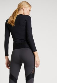 Daquïni - T-shirt à manches longues - black - 2