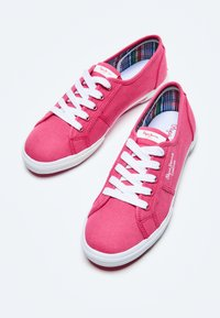 Pepe Jeans - ABERLADY ECOBASS - Trainers - fresa - 4