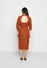 Glamorous Petite - Denní šaty - rust - 2