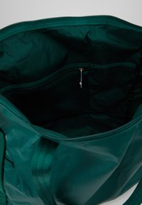 The North Face - STRATOLINE TOTE - Sports bag - night green/tin grey - 4