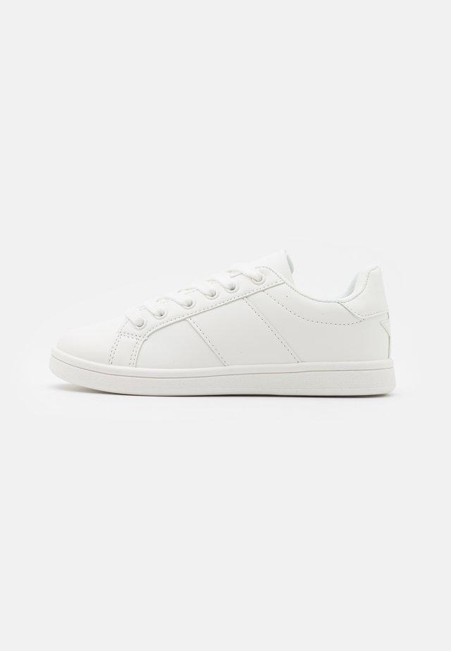 TIBI UNISEX - Baskets basses - white