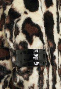 Pinko - FEDELINO KABAN - Winter coat - nero/bianco/marone - 3