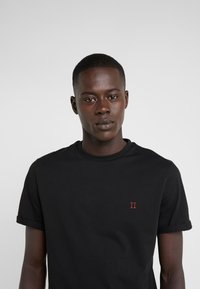Les Deux - NØRREGAARD - Basic T-shirt - black - 4