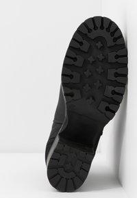 Bullboxer - Kotníková obuv - black - 6