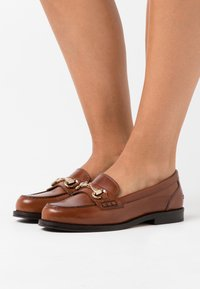 Hash#TAG Sustainable - Slip-ons - cognac - 0