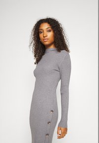 Vila - VISOLTO BUTTON DRESS - Robe fourreau - medium grey melange - 3