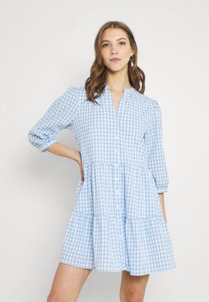 GINA GINGHAM SMOCK DRESS - Košilové šaty - pale blue