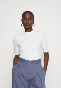 Selected Femme - SLFANNA CREW NECK TEE - T-shirt basique - snow white - 0