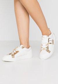River Island - Sneakers basse - white - 0