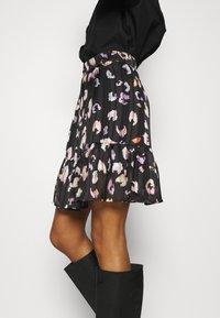 Guess - CHIKA SKIRT - Mini skirt - multi coloured - 3