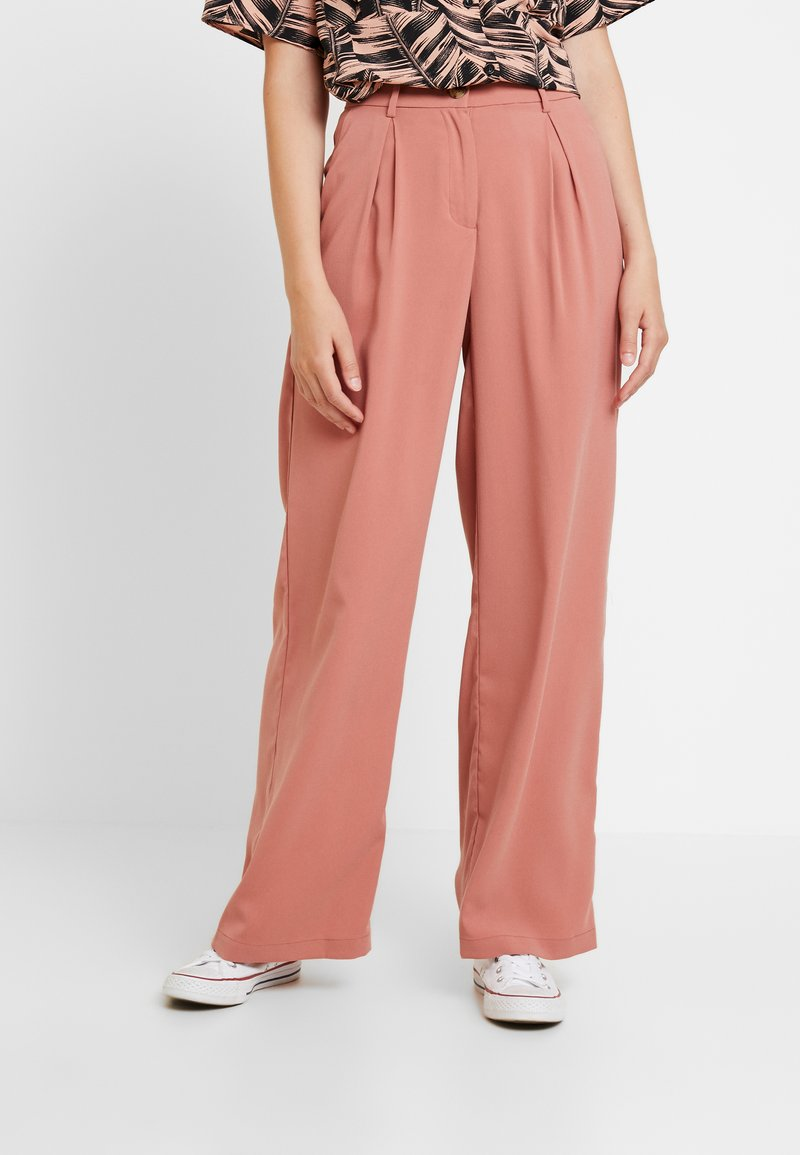 Vero Moda - VMCOCO WIDE PANT - Trousers - brick dust