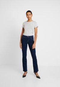 Calvin Klein Jeans - EMBROIDERY SLIM TEE - Camiseta básica - light grey heather - 1