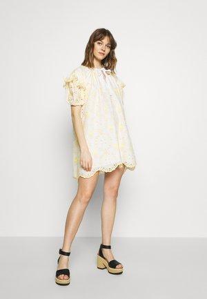 DRESS - Kjole - fantasia bianco/giallo