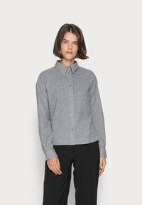 Marc O'Polo - BLOUSE LONG SLEEVE KENT COLLAR CROPPED - Button-down blouse - soft grey melange - 0