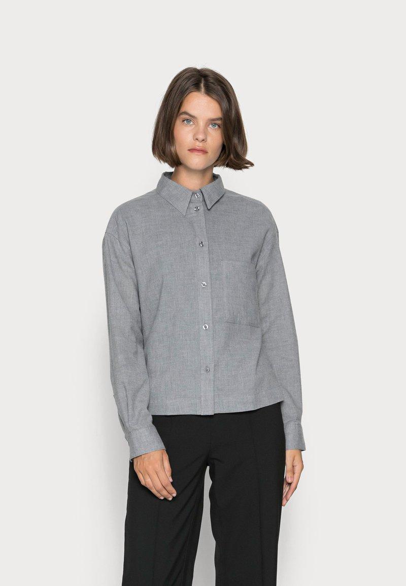 Marc O'Polo - BLOUSE LONG SLEEVE KENT COLLAR CROPPED - Button-down blouse - soft grey melange