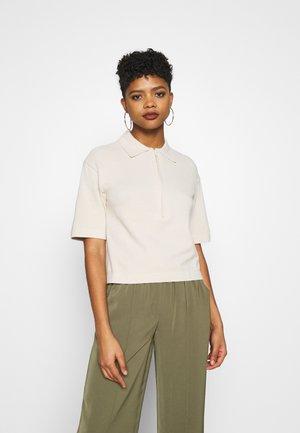 ZIP COLLAR - Basic T-shirt - beige