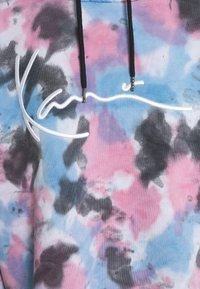 Karl Kani - SIGNATURE TIE DYE HOODIE - Sweatshirt - pink - 6