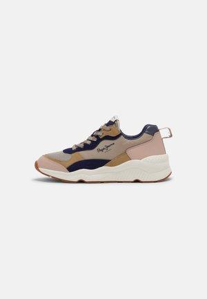 HARLOW FULL - Sneakers laag - pale