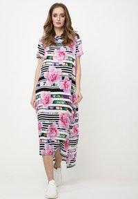 Madam-T - ADELINARA - Maxi dress - weiß rosa - 1