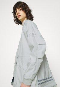 Ecoalf - KELP REVERSIBLE JACKET WOMAN - Short coat - navy - 3