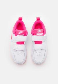 Nike Performance - PICO 5 UNISEX - Scarpe da fitness - white/hyper pink - 3