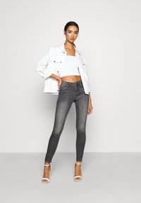 ONLY - ONLKENDELL LIFE - Jeans Skinny - medium grey denim - 1