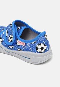 Superfit - BENNY - Slippers - blau - 4
