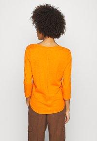 Marc O'Polo - SLEEVE ROUNDED NECK STITCHING DETAIL - Long sleeved top - sunbaked orange - 2