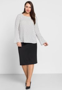 Sheego - Pencil skirt - schwarz - 1