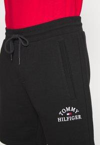 Tommy Hilfiger - BASIC EMBROIDERED  - Shorts - black - 5