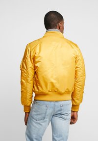 Alpha Industries - Bomber Jacket - wheat - 3