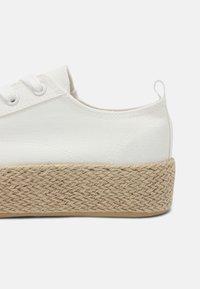 Even&Odd - Casual lace-ups - off-white - 5