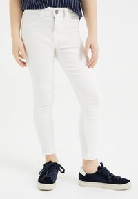 WE Fashion - SUPERSKINNY - Jeggings - white - 1
