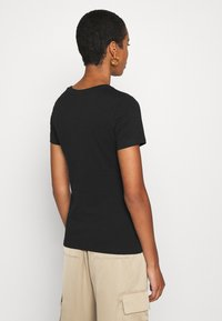 Calvin Klein - 2 PACK - T-shirt con stampa - black - 3