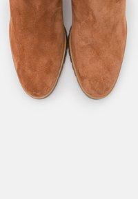 Högl - Kotníkové boty - nut - 5