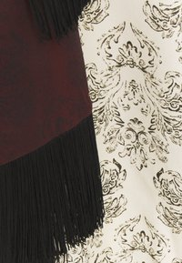 Mother of Pearl - VNECK DRESS WITH DRAPE SLEEVE TASSELS - Kjole - ivory - 3