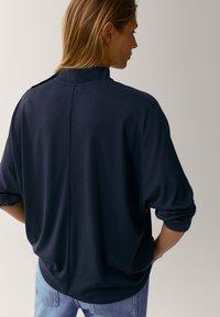Massimo Dutti - MIT STEHKRAGEN - Long sleeved top - dark blue - 1