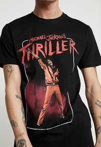 Mister Tee - MICHAEL JACKSON THRILLER VIDEO TEE - Print T-shirt - black - 5