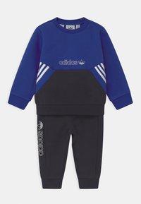 adidas Originals - CREW SET UNISEX - Trainingspak - blue - 0