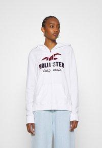 Hollister Co. - TERRY TECH CORE - Mikina na zip - white - 0
