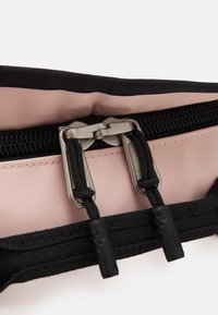 The North Face - BASE CAMP DUFFEL S UNISEX - Sports bag - light pink/black - 7