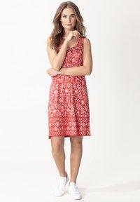Indiska - DANYLYNN - Jersey dress - red - 1